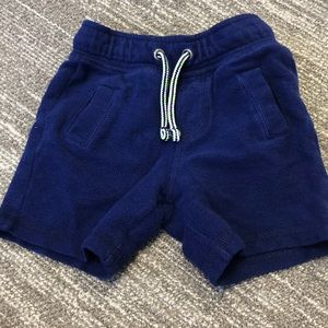Boys Cat & Jack shorts size 18M
